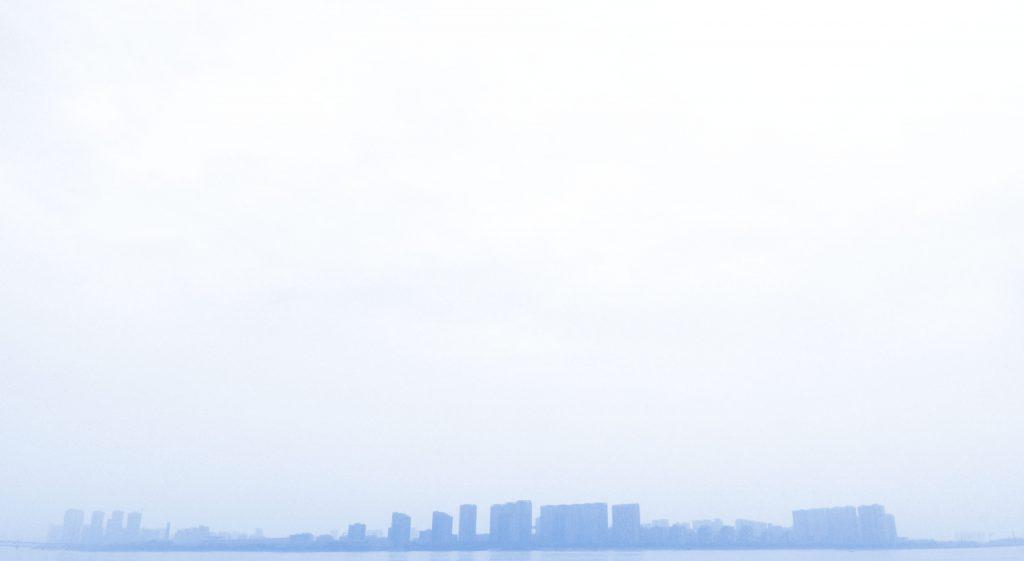 钱塘江对岸的天际线